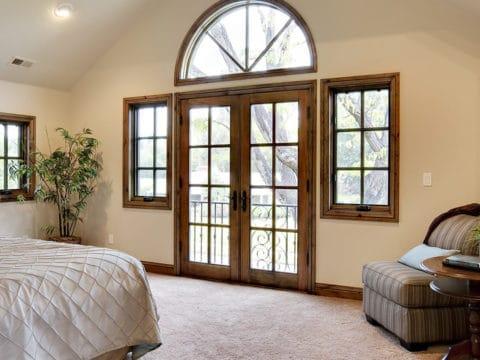 изображение окна с фальш переплетением киров
