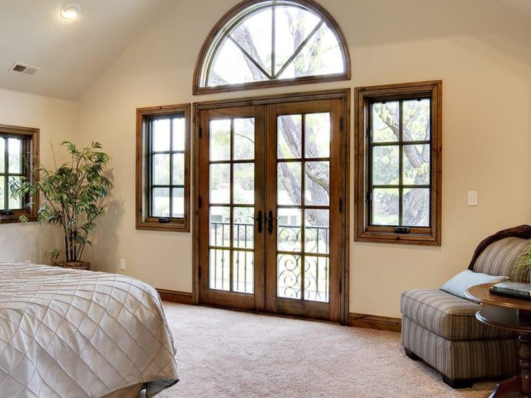 картинка окна с фальш переплетением киров