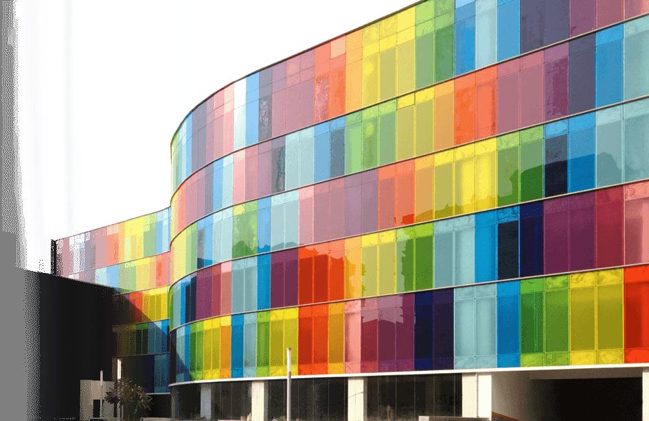 изображение окон с цветными стеклами