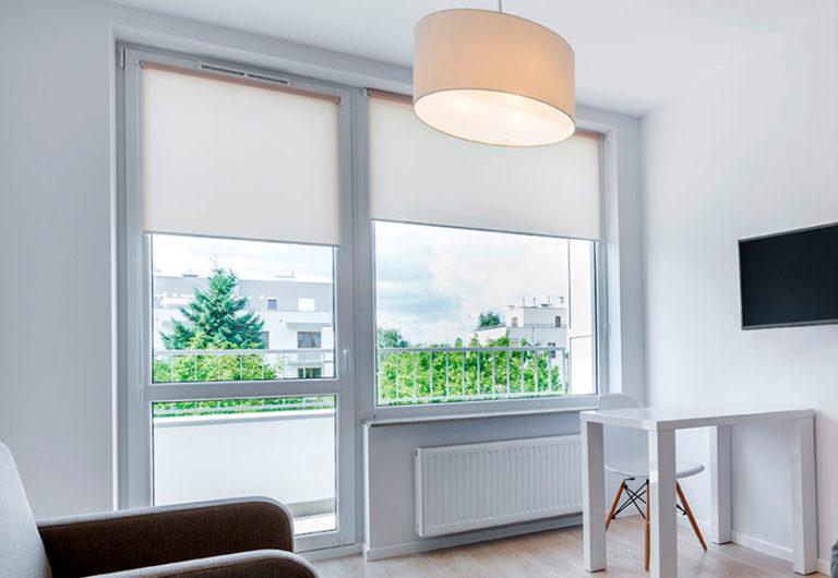 картинка окно с балконным блоком