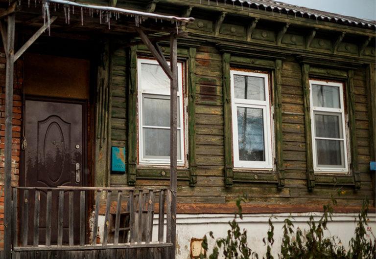 картинка окна для старого дома